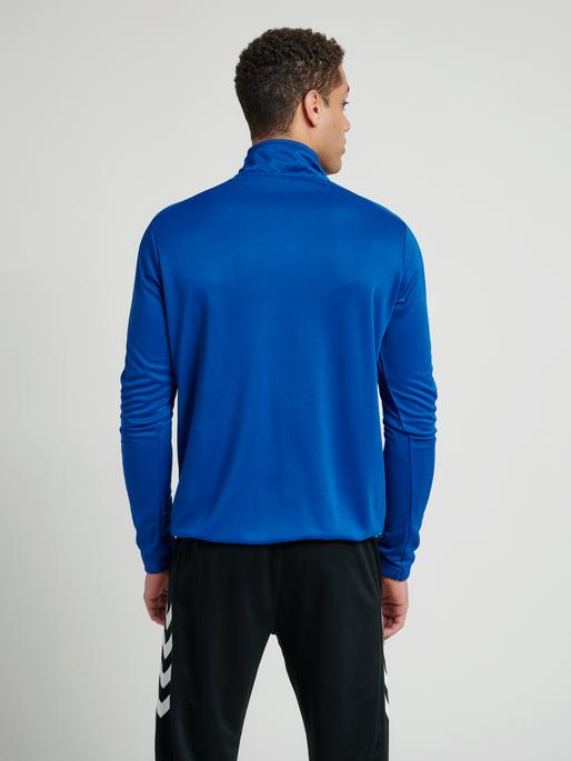 CORE 1/2 ZIP SWEAT, TRUE BLUE, model