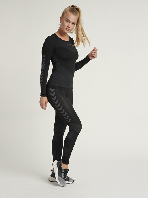 HUMMEL FIRST SEAMLESS JERSEY L/S WOMAN, BLACK, model