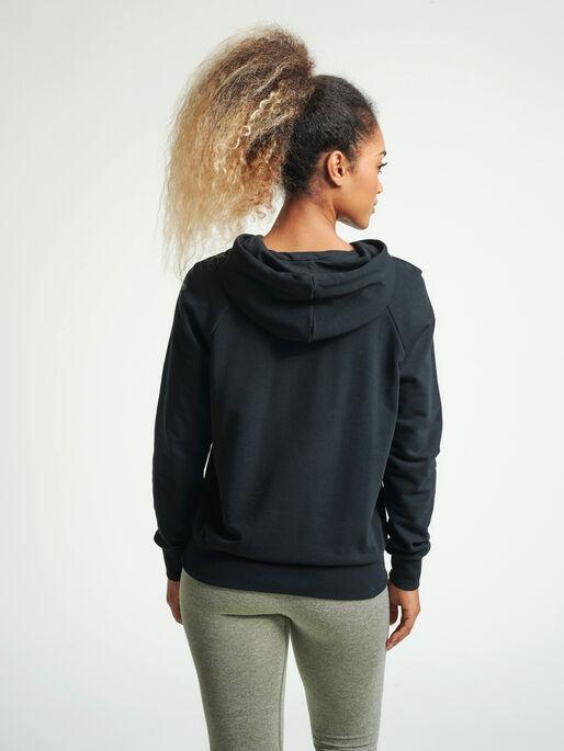 hmlNONI HOODIE, BLACK/HUMUS, model