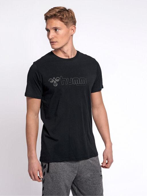 hmlMARCEL T-SHIRT S/S, BLACK, model