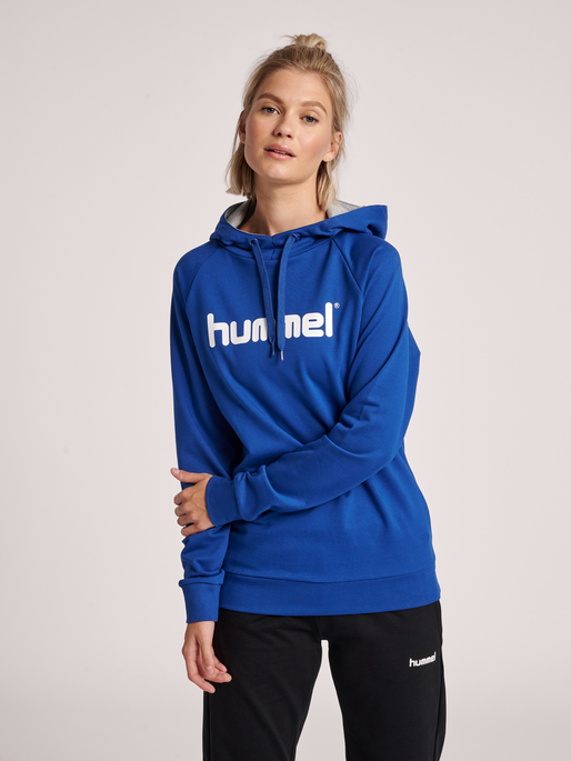 HUMMEL GO COTTON LOGO HOODIE WOMAN, TRUE BLUE, model