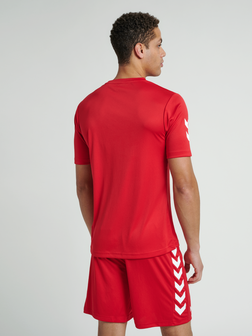 CORE POLYESTER TEE, TRUE RED, model