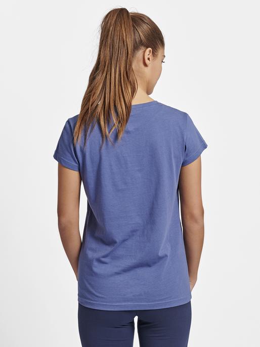 hmlROSE T-SHIRT S/S, BIJOU BLUE, model