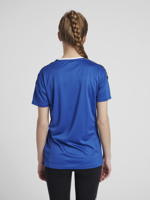 hmlAUTHENTIC POLY JERSEY WOMAN S/S, TRUE BLUE, model
