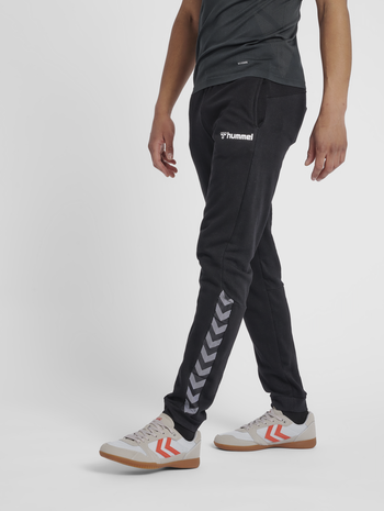 hmlAUTHENTIC SWEAT PANT, BLACK/WHITE, model