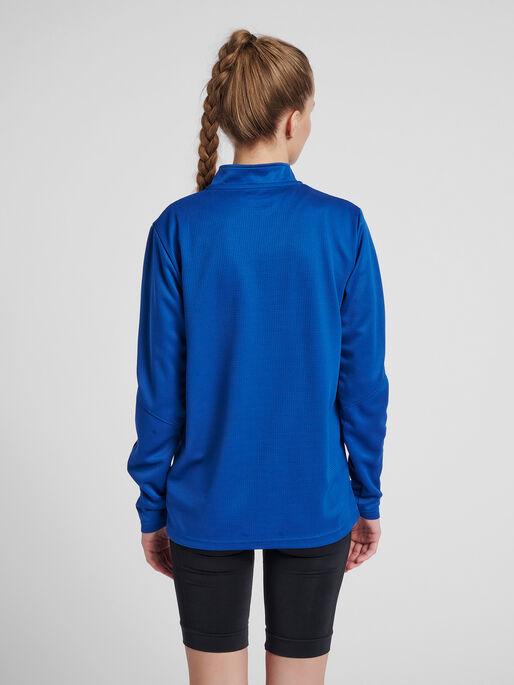 hmlAUTHENTIC HALF ZIP SWEATSHIRT WOMAN, TRUE BLUE, model