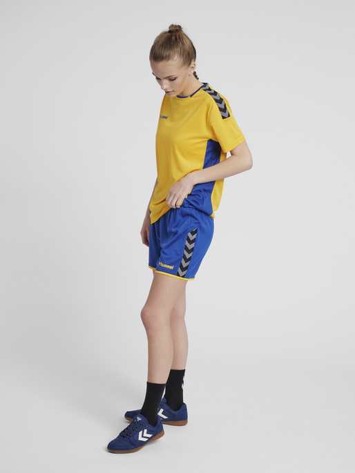 hmlAUTHENTIC POLY SHORTS WOMAN, TRUE BLUE/SPORTS YELLOW, model