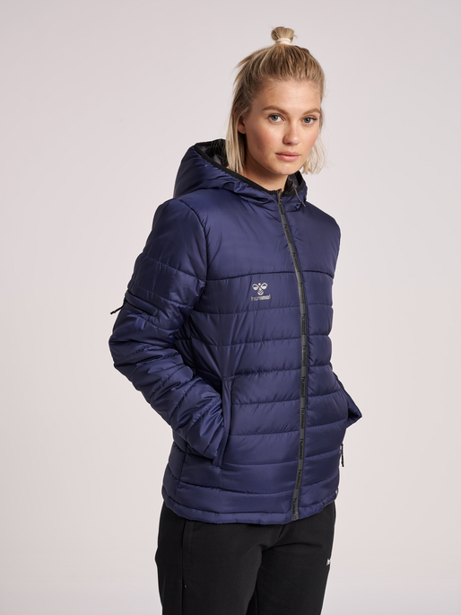 hmlNORTH QUILTED HOOD JACKET WOMAN, MARINE, model