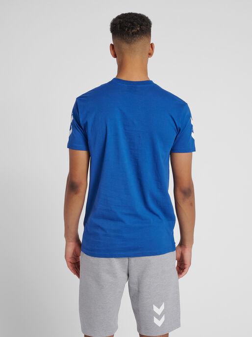HUMMEL GO COTTON T-SHIRT S/S, TRUE BLUE, model