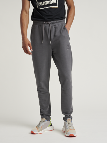 hmlISAM TAPERED PANTS, MAGNET, model