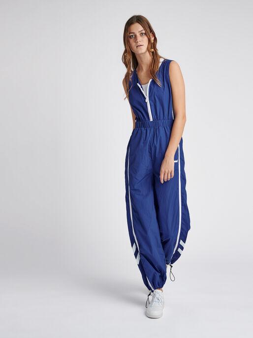 hmlSTORM WIDE LEGGED JUMPSUIT, MAZARINE BLUE, model