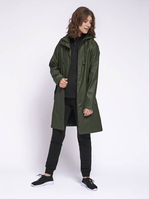 hmlJOY RAIN COAT, FOREST NIGHT, model
