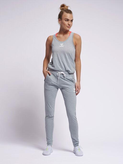 hmlPEYTON SLIM PANTS, QUARRY, model