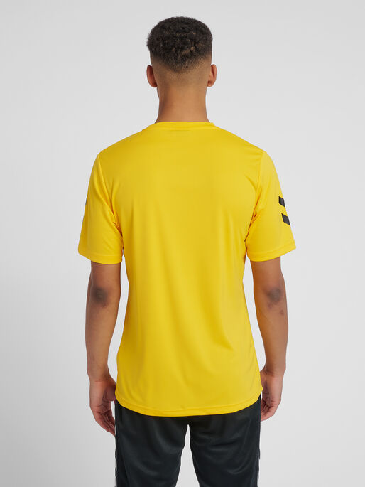 CORE POLYESTER TEE, SPORTS YELLOW/BLACK, model