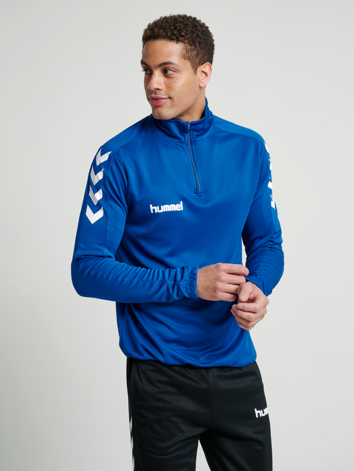 CORE 1/2 ZIP SWEAT, TRUE BLUE, model