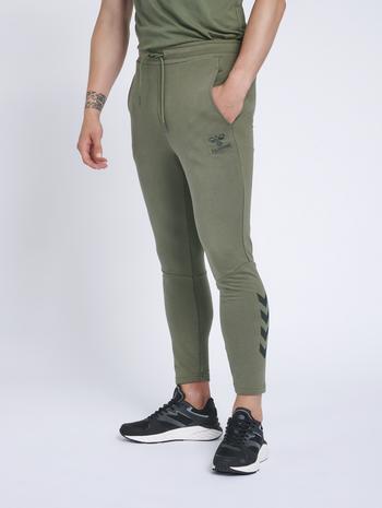 hmlISAM TAPERED PANTS, BEETLE, model