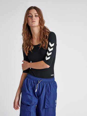 hmlMAI RIB BODY S/S, BLACK, model