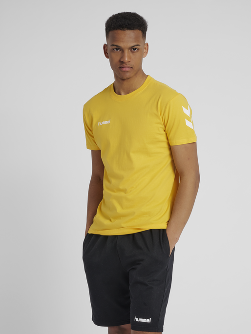 HUMMEL GO COTTON T-SHIRT S/S, SPORTS YELLOW, model