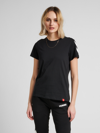 hmlLEGACY WOMAN T-SHIRT, BLACK, model