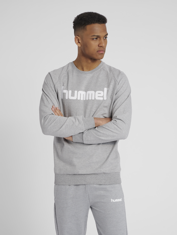 HUMMEL GO COTTON LOGO SWEATSHIRT, GREY MELANGE, model