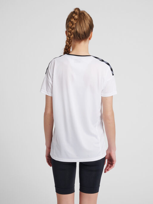 hmlAUTHENTIC POLY JERSEY WOMAN S/S, WHITE, model