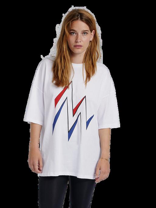 hmlMARATHONA T-SHIRT, WHITE, model