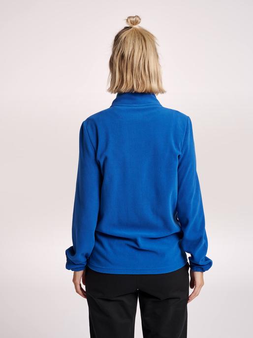 hmlNORTH FULL ZIP FLEECE JACKET WOMAN, TRUE BLUE, model