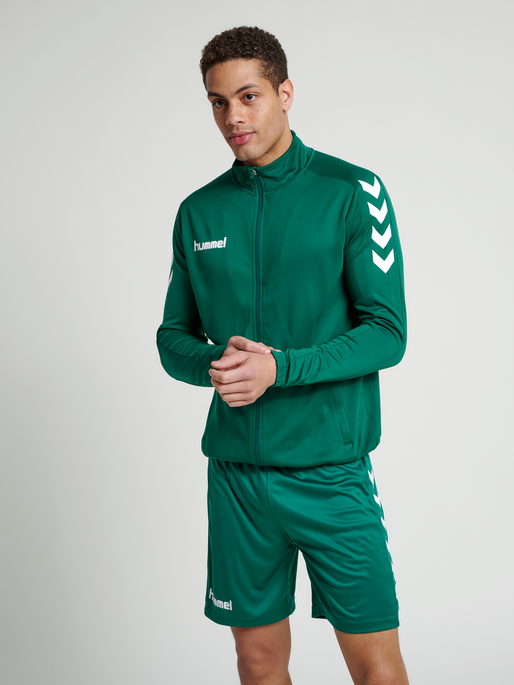 CORE POLY JACKET, EVERGREEN, model