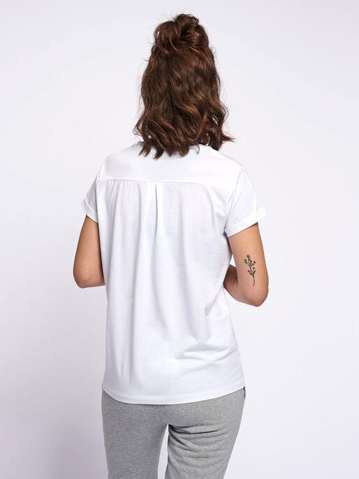 HMLISOBELLA T-SHIRT S/S, WHITE, model