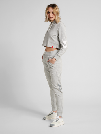 hmlLEGACY WOMAN TAPERED PANTS, GREY MELANGE, model