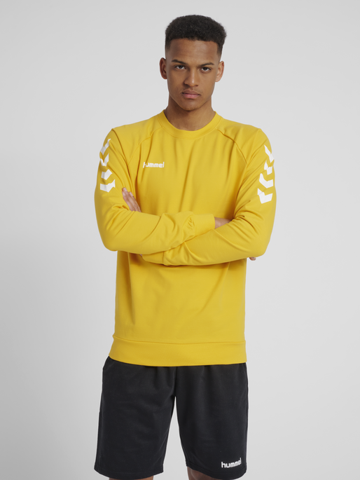 HUMMEL GO COTTON SWEATSHIRT, SPORTS YELLOW, model