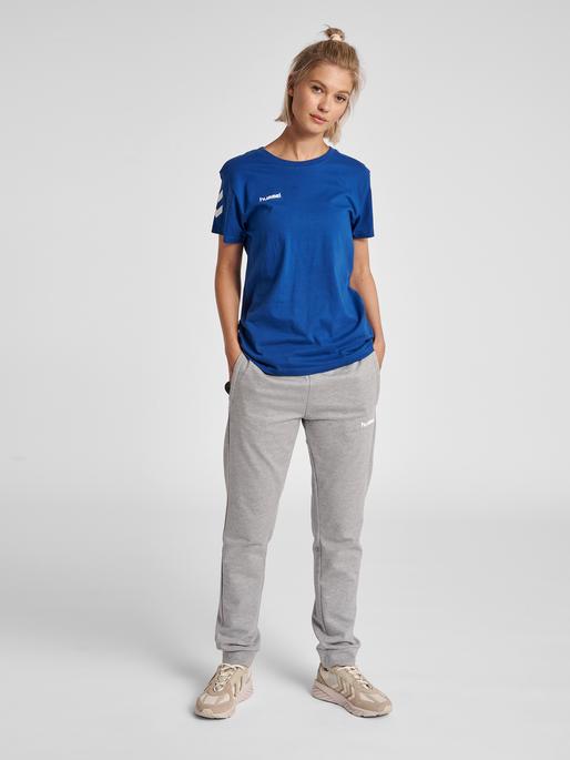 HUMMEL GO COTTON T-SHIRT WOMAN S/S, TRUE BLUE, model