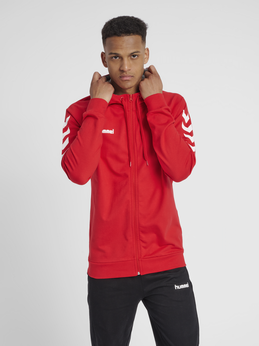 HUMMEL GO COTTON ZIP HOODIE, TRUE RED, model