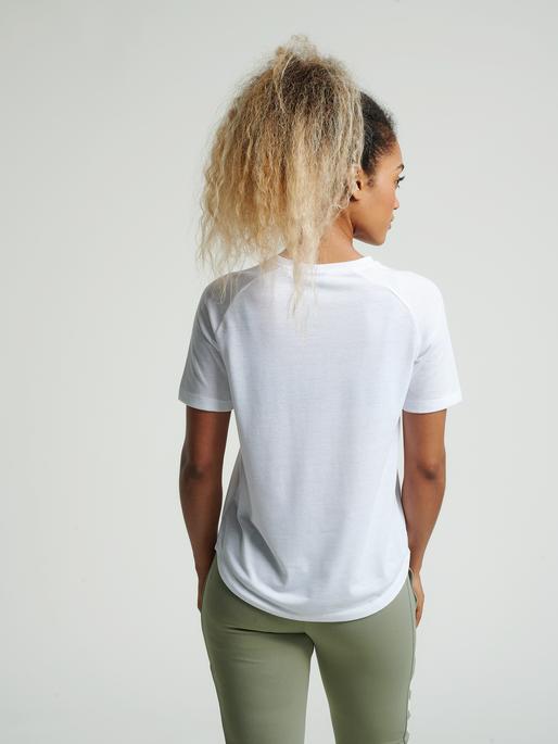 hmlVANJA T-SHIRT S/S, WHITE, model