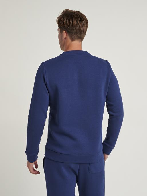 hmlFALCON SWEATSHIRT, MEDIEVAL BLUE, model