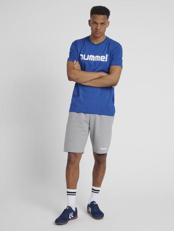 HUMMEL GO COTTON LOGO T-SHIRT S/S, TRUE BLUE, model