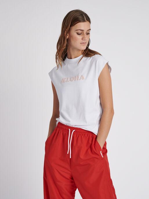 hmlLOKAL T-SHIRT S/L, WHITE, model