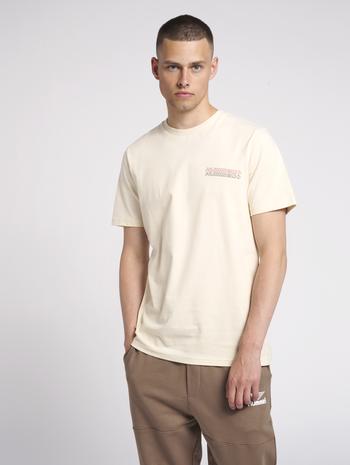 hmlCHRISTOFFER T-SHIRT, BONE WHITE, model
