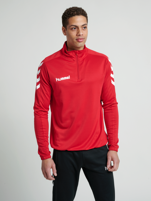 CORE 1/2 ZIP SWEAT, TRUE RED, model