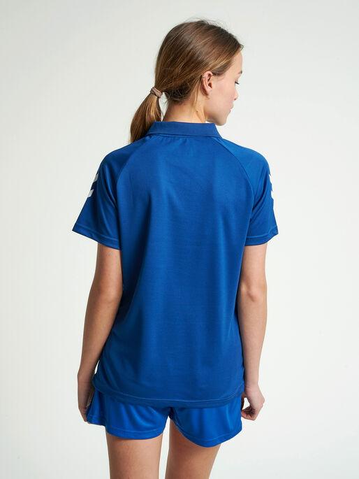 CORE FUNCTIONAL POLO WOMAN, TRUE BLUE, model