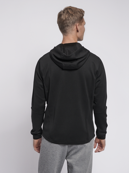 hmlTROPPER ZIP HOODIE, BLACK, model